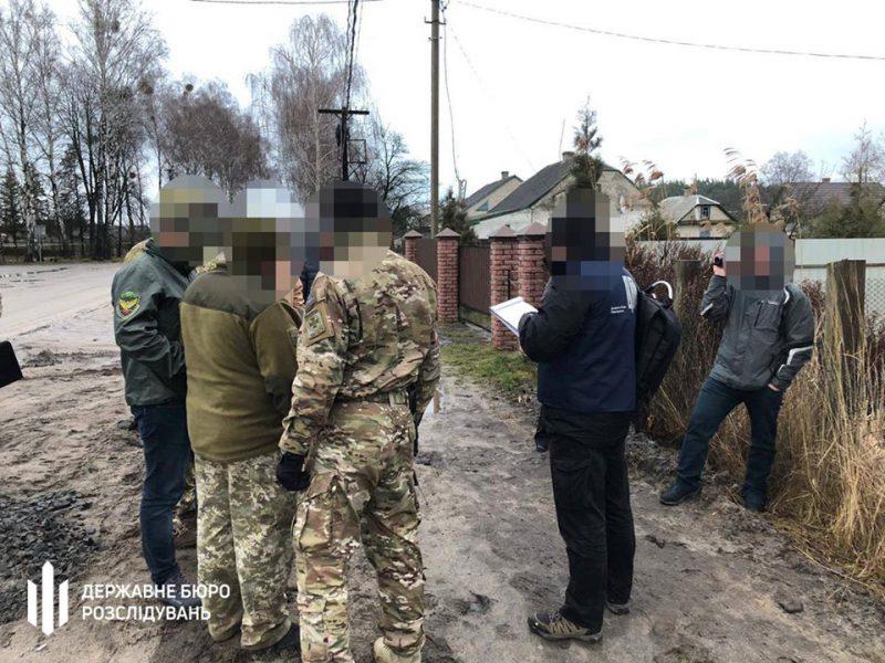 В Львові на хабарі затримали прикордонника. Фото