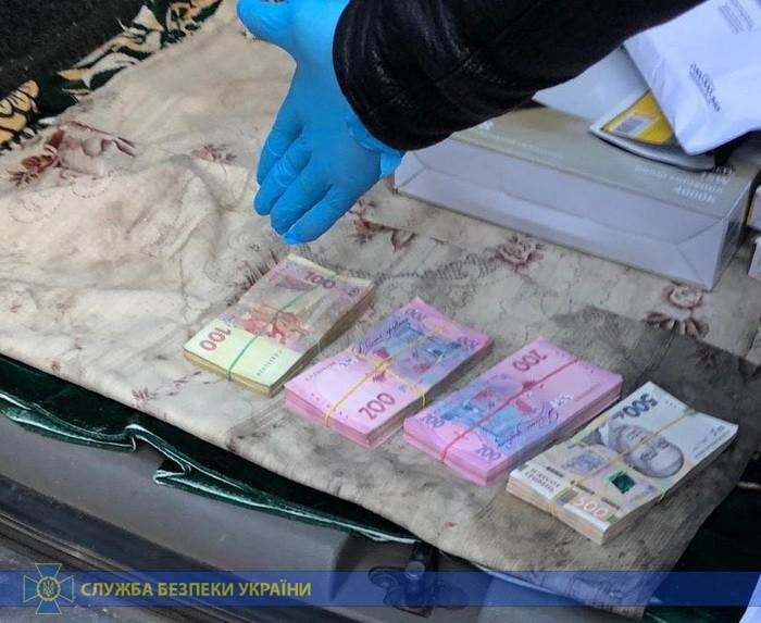 На Черкащині СБУ затримала начальника державної податкової інспекції, який вимагав гроші у підприємця-аграрія